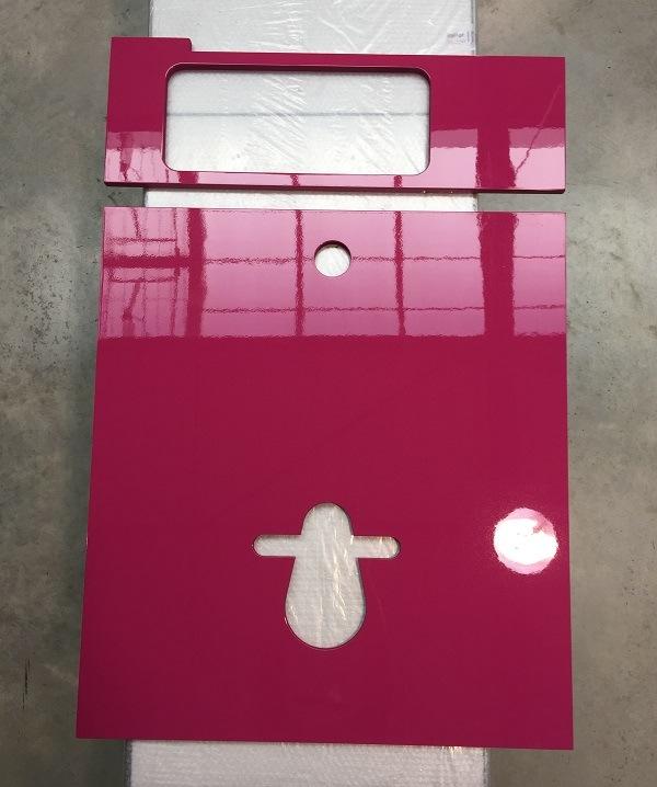 Habillage rose pour WC suspendu