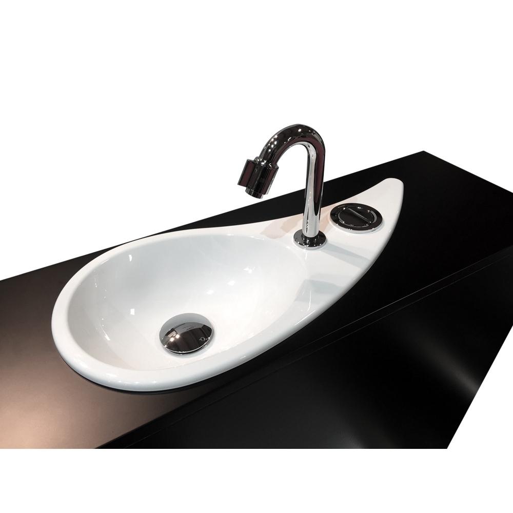 wc suspendu geberit avec lave mains design et robinet. Black Bedroom Furniture Sets. Home Design Ideas